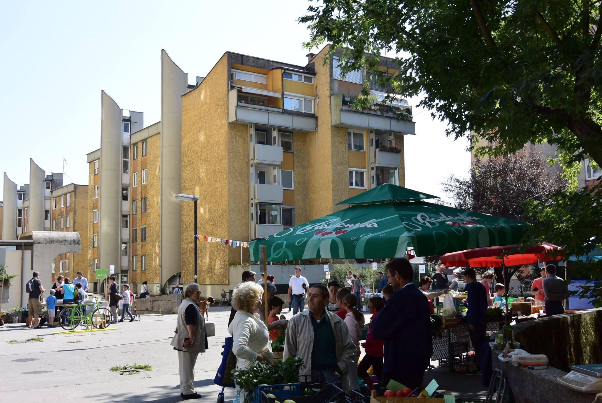 Tržni dan na Bratovševi ploščadi (arhiv Skupaj na ploščadi)