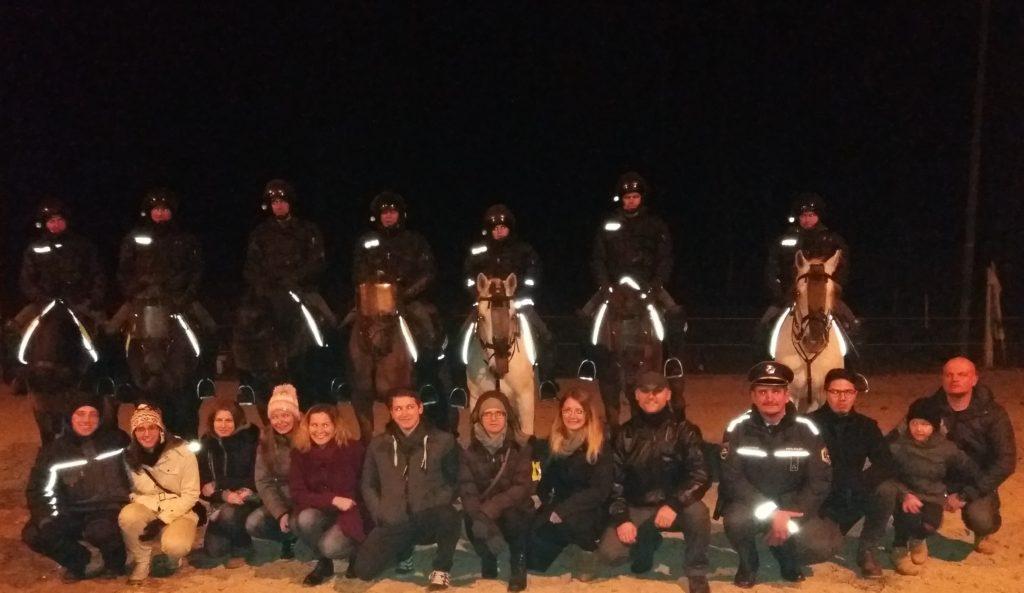 29-11-2016-obisk-policijske-konjenice-varensvet-si
